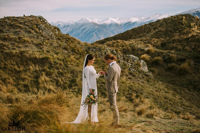 Wanaka wedding photography, autumn wedding, mountain wedding NZ
