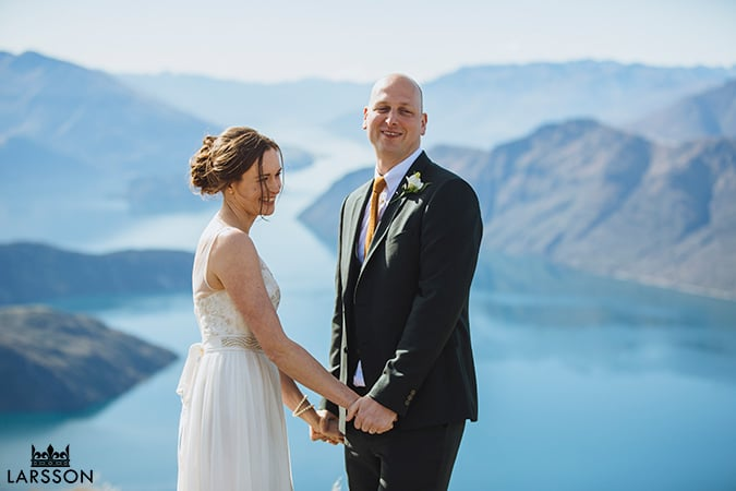 Coromandel Peak Wedding ceremony, wanaka Wedding photography, alpine wedding