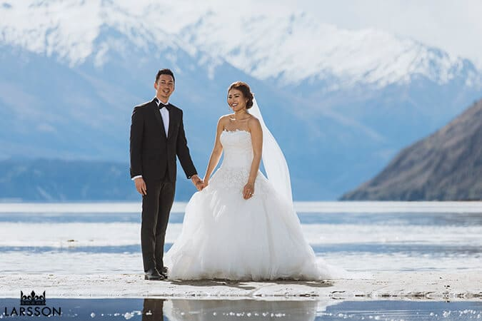 Spring destination wedding. Wanaka elopement, bride and groom.