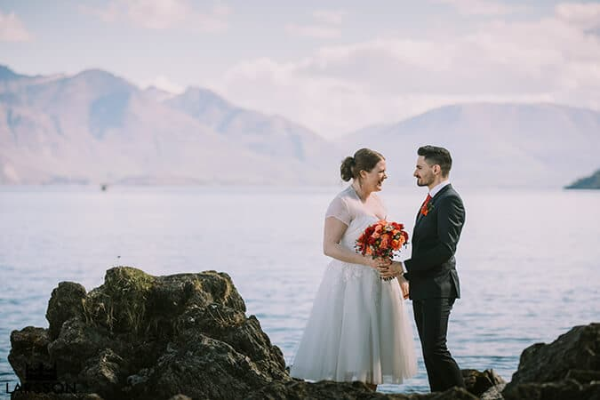 lakeside photos of bride and groom. Queenstown New Zealand