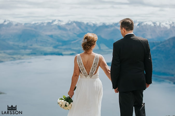Mountain wedding photos in Queenstown , New Zealand Destination Wedding Photography